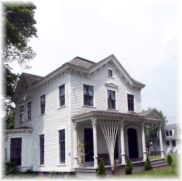 Yale House in Gales Ferry